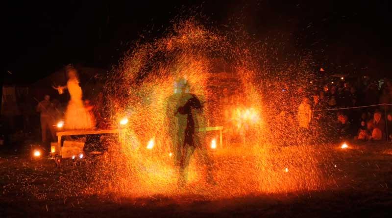 Bühnenshow mit Feuer