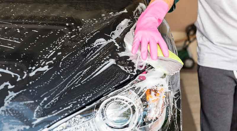 Autowäsche mit Hand