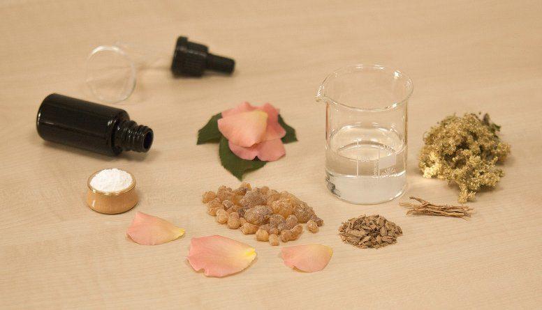 Zutaten für Parfum-Herstellung
