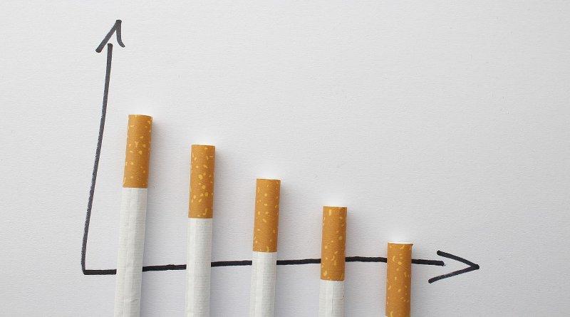 Skala aus Zigaretten