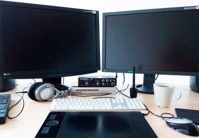 PC-System mit Lautsprechern