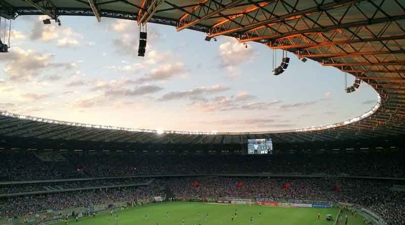 Blick ins Innere eines Fussballstadions