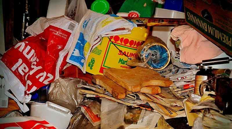 Angesammelter Müll in Messie-Wohnung