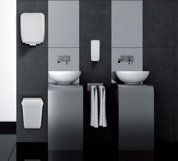 Modernes Bad mit Papierhandtuchspender