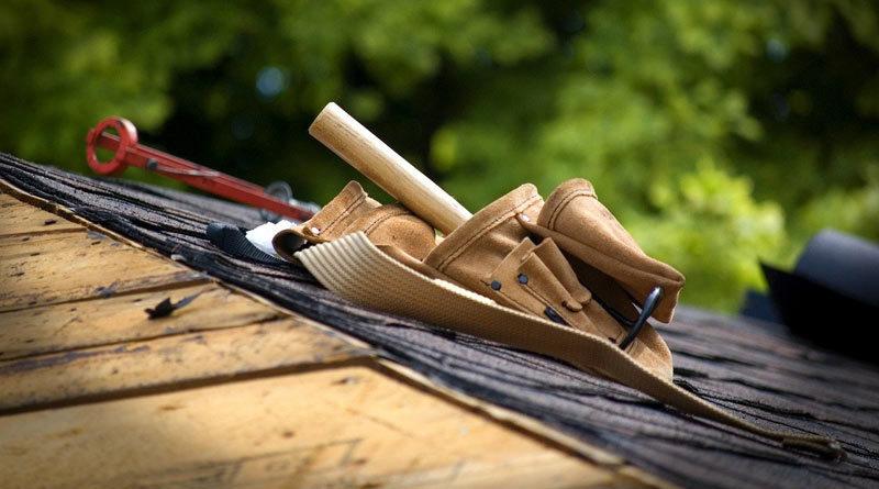 Werkzeuge eines Dachdeckers