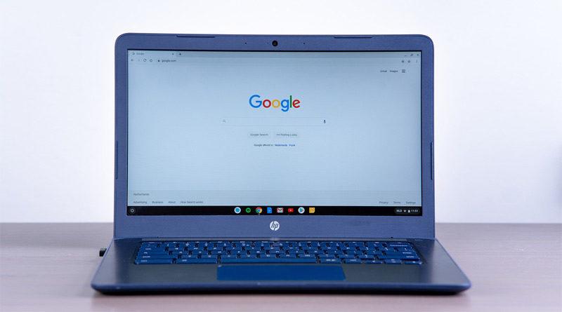 Laptop mit Google als Startseite